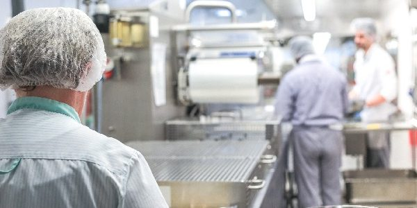Limpieza y desinfección en la industria alimentaria en áreas de contacto con alimentos