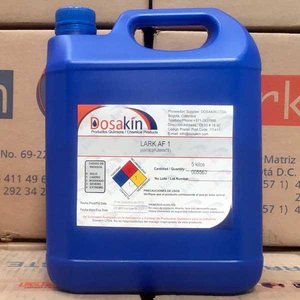 LARK AF1 es un producto que ayuda a reducir el exceso de espuma en los procesos de aspersión, muy útil cuando se tienen cabinas de lavado por aspersión o procesos fuertemente mecánicos