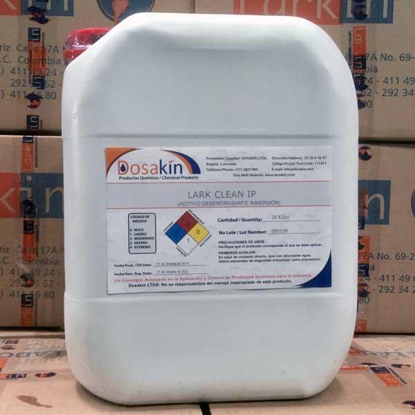 LARK CLEAN IP es un líquido detergente con alto poder humectante que se usa como aditivo en operaciones y procesos de inmersión en tanques