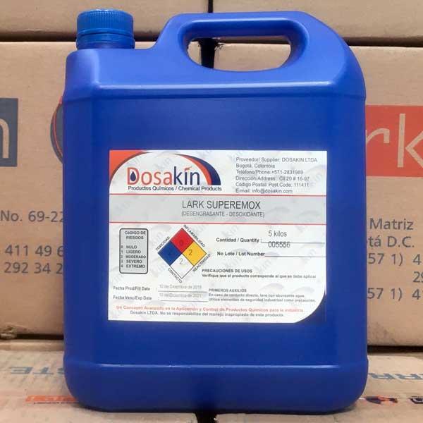 LARK SUPER REMOX, es un líquido ácido con propiedades tensoactivas que asegura la eliminación de óxidos que no son removidos mediante un decapado normal